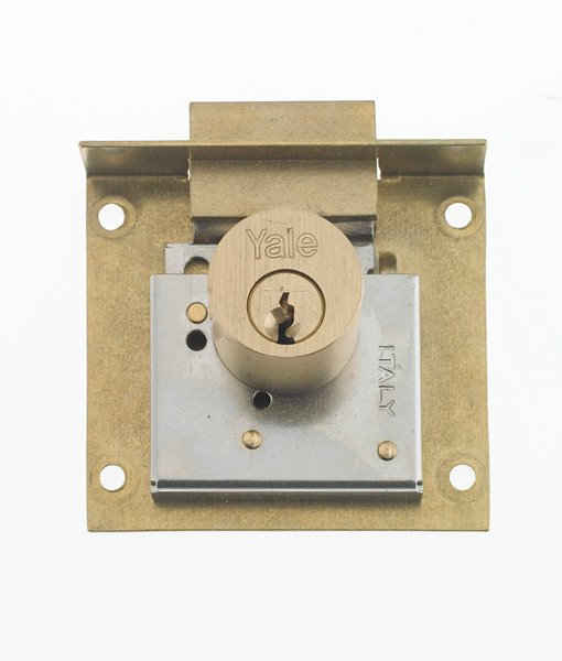 Furniture lock 820/830