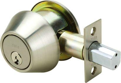 8211 - Yale 8200 Series Medium Duty Deadbolt (Cylinder and Thumbturn)